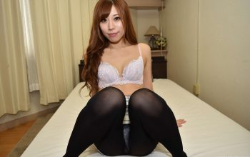 Asian Beauty with a Shaved Pussy and the Most Enchanting Eyes